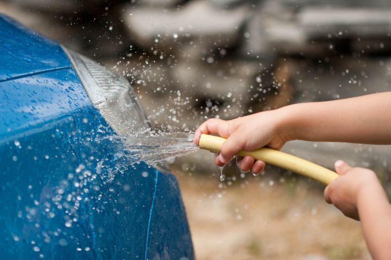 các quan niệm sai lầm về rửa xe ô tô