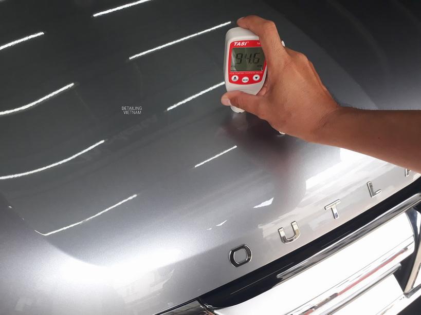 đo độ dày lớp sơn xe khi hiệu chỉnh sơn