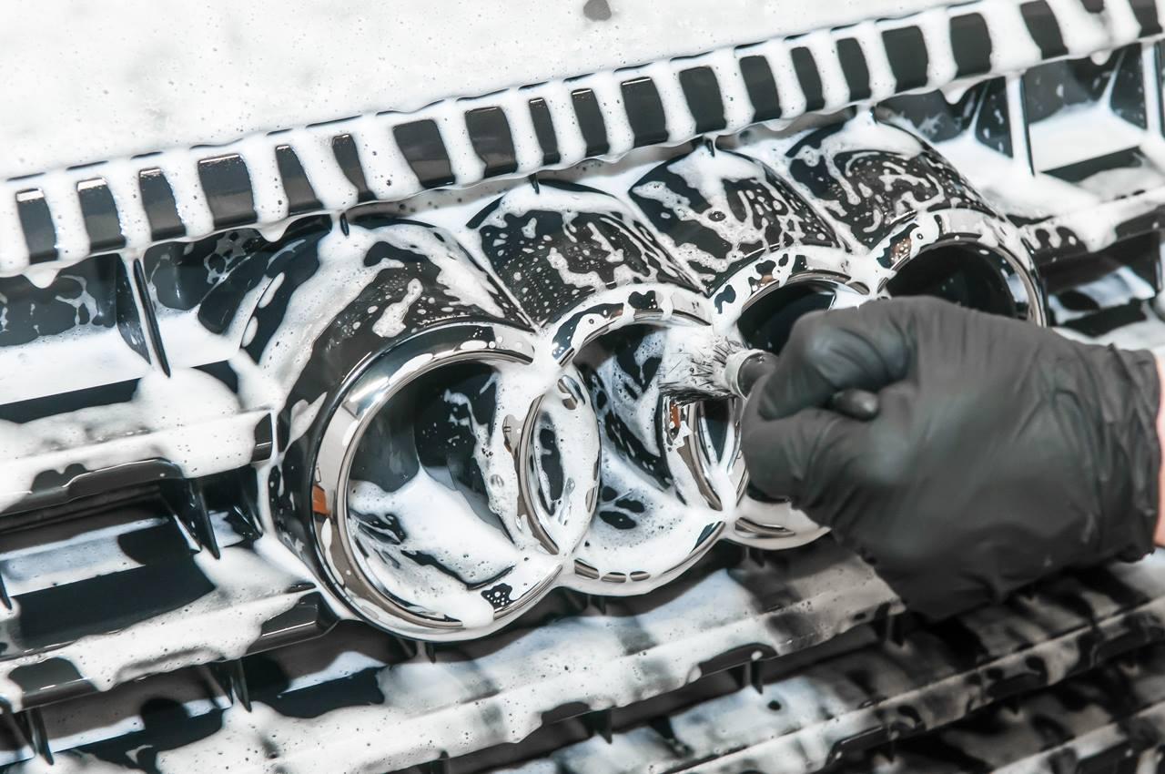 Quy trình rửa xe 3 xô detailing của detailing workshop