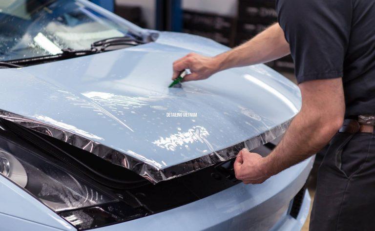 So sánh dán film chống trầy PPF và wrap decal vinyl bảo vệ sơn xe