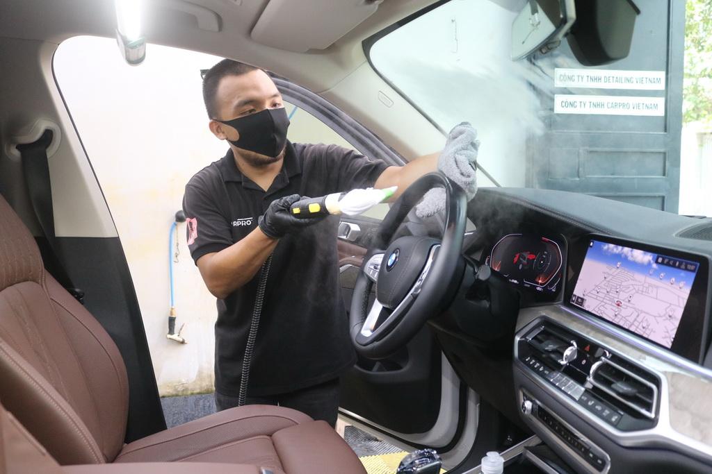 Ứng dụng Hydrogen Peroxide trong quy trình vệ sinh nội thất xe hơi