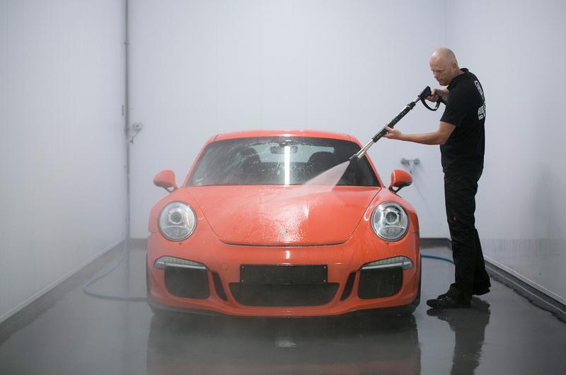 rửa xe ô tô đặc biêt